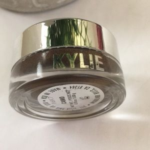 Kylie Cosmetics Makeup - Kylie cosmetics camo creme cream eyeshadow